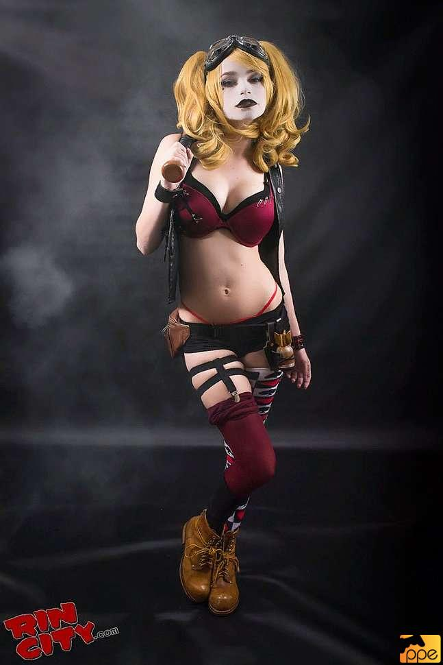 Harley Quinn (DC) Cosplay by Rin